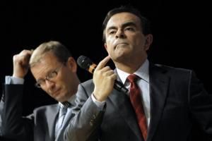 Carlos-Ghosn-et-Patrick-Pelata.jpg