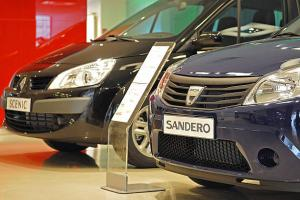 Derrière Dacia, Renault? Ou Renault simplement derrière Dacia?