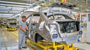 Dans l'usine Renault à Oran