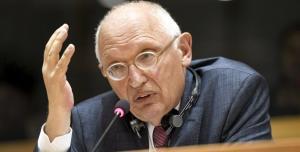 L'ancien commissaire européen aux Entreprise et à l'Industrie lors de son audition au Parlement Européen, le 30 août